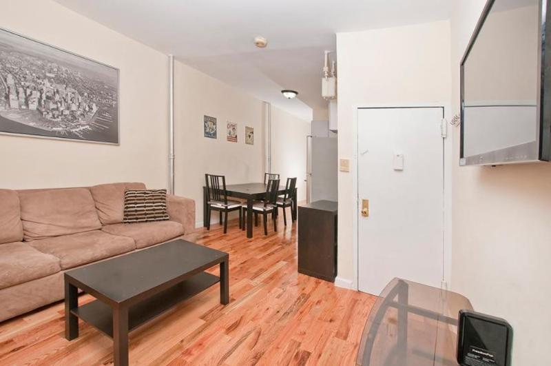 COMFORTABLE AND SPOTLESS 2 BEDROOM 1 BATHROOM APARTMENT - Image 1 - New York City - rentals