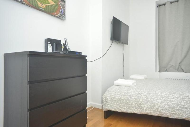 STUNNING AND SPOTLESS 2 BEDROOM 1 BATHROOM APARTMENT - Image 1 - New York City - rentals