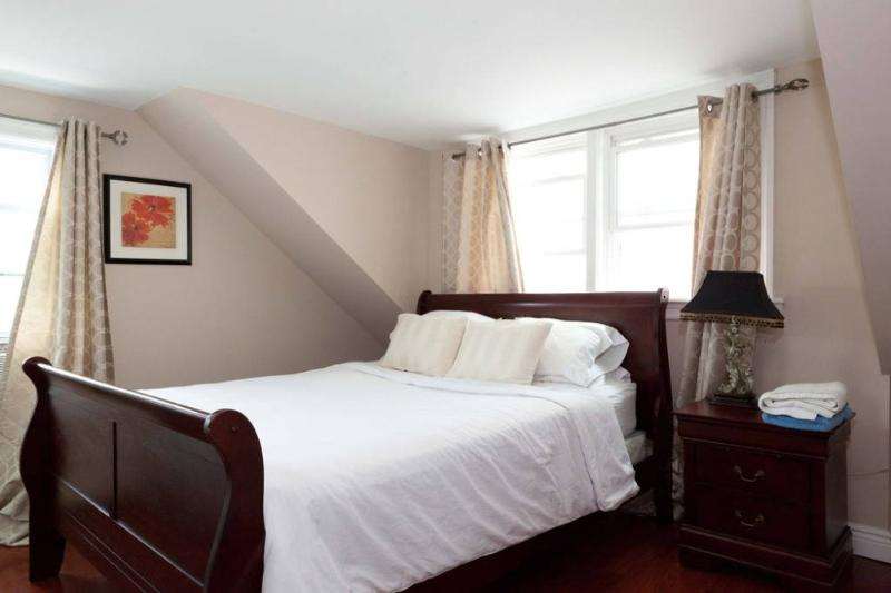 Furnished 3-Bedroom Home at Palisade Ave & 20th St Union City - Image 1 - Union City - rentals