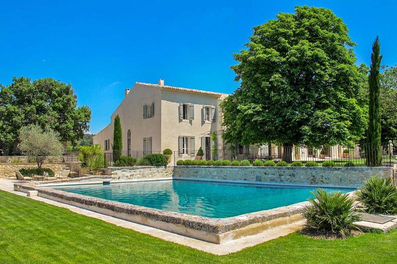 Villa Riviere, Sleeps 12 - Image 1 - Saint-Cannat - rentals