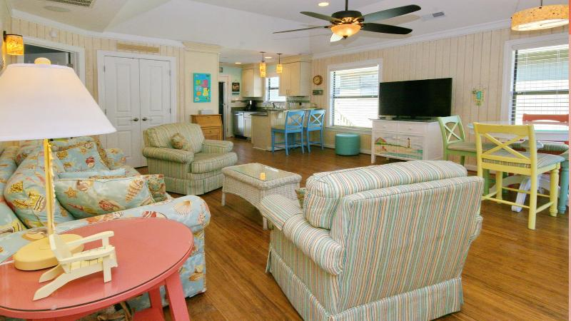 Guest Cottage #76. All the comforts of home ...hearing the waves from the ocean! - Spacious 2 Bedroom - 2 Full Bath / Sleeps 7 - Myrtle Beach - rentals