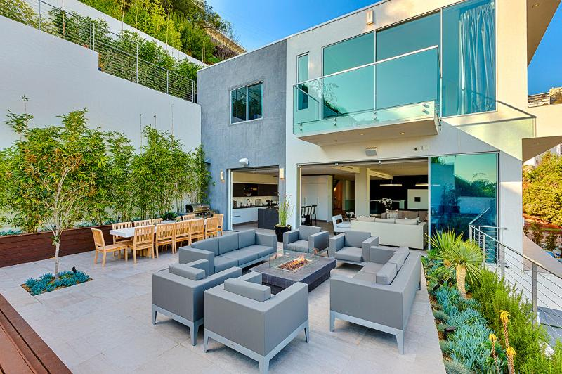 Bella Vista, Sleeps 8 - Image 1 - Los Angeles - rentals