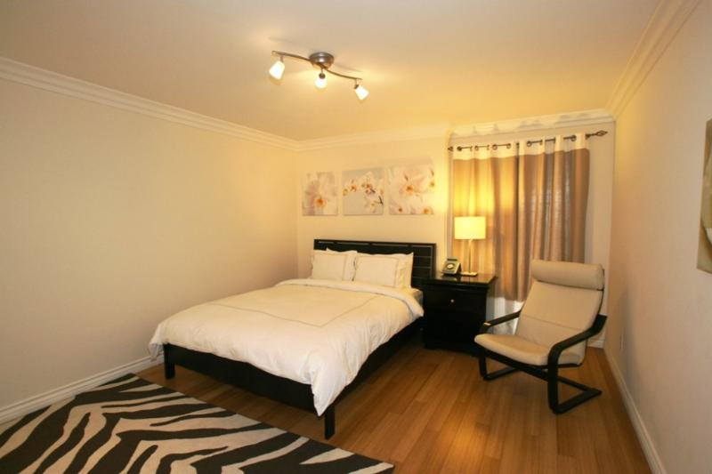 Well Decorated and Peaceful Santa Monica Apartment - 1 Bedroom 1 Bathroom - Image 1 - Santa Monica - rentals