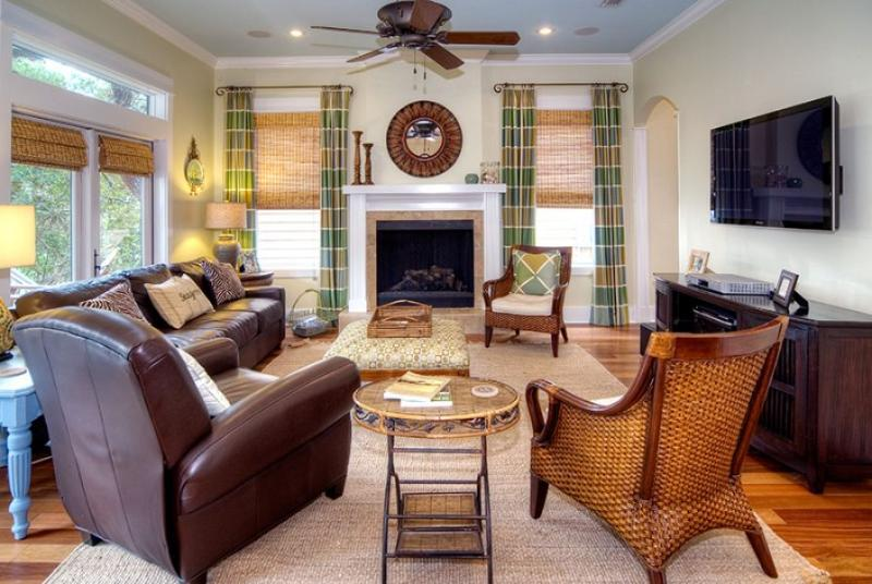 Family Room - 'Sea-esta' ~ Luxurious Designer Home! 2 Community - Santa Rosa Beach - rentals