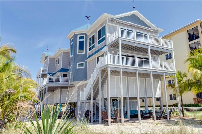 Warm Sands, 3 Bedrooms, Gulf Front, Heated Pool, Sleeps 8 - Image 1 - Fort Myers Beach - rentals