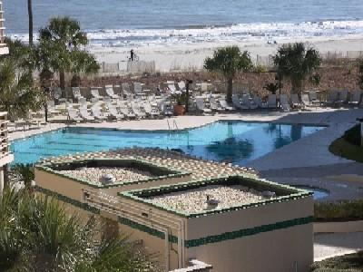 *OCEANVIEWS* 2 bedroom Sleeps 8, Pool,Gym,Grill, - Image 1 - Hilton Head - rentals