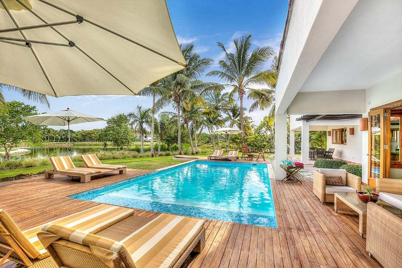 Villa Jaguey 6, Sleeps 10 - Image 1 - United States - rentals