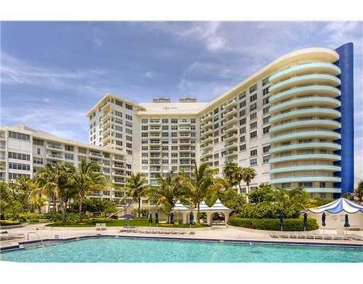 Pool - Beach Front Condo - 1/1.5 on the 16 floor - Miami Beach - rentals