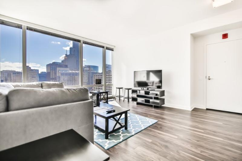 CHARMING AND BEAUTIFULLY FURNISHED 1 BEDROOM, 1 BATHROOM HOME - Image 1 - Chicago - rentals