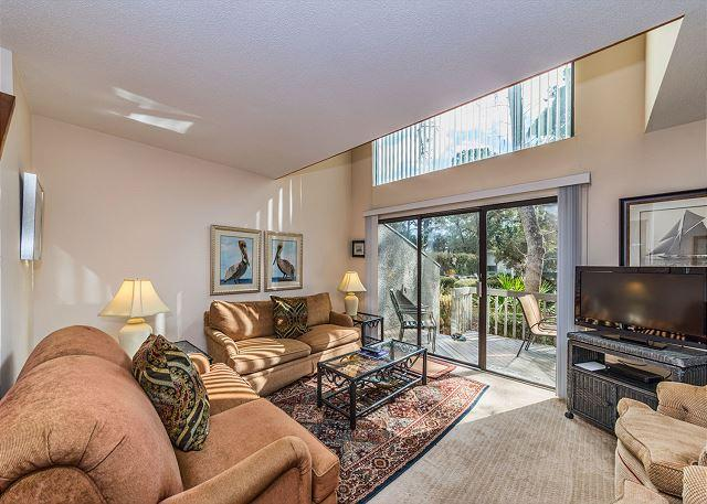 Living Area - Ocean Gate 12, 2 Bedroom, Large Pool, Tennis, Short walk to Beach, Sleeps 6 - Hilton Head - rentals