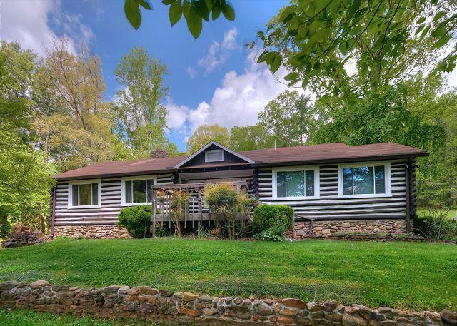 Granny & Pa's Cabin - Image 1 - Black Mountain - rentals