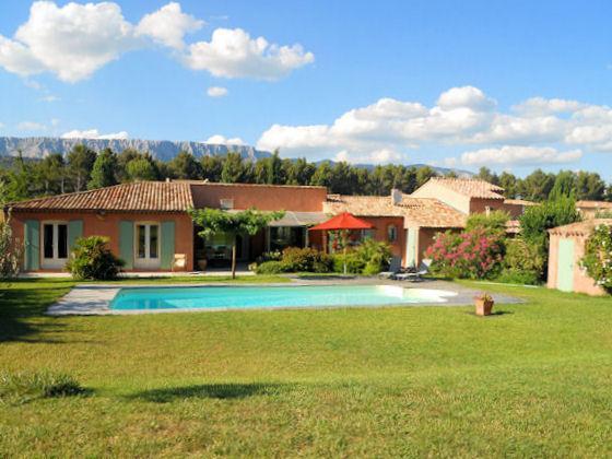 Rousset, Villa 8p. 30 km to Aix-en-Provence, private pool - Image 1 - Rousset - rentals