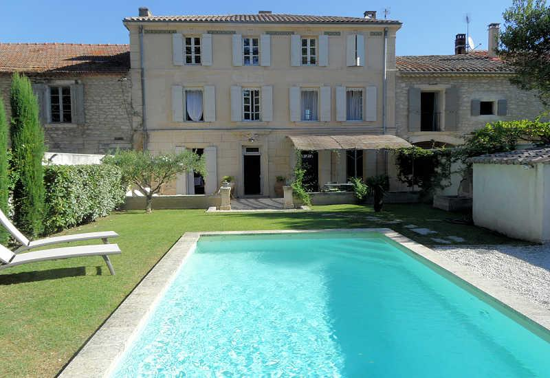 St-Rémy-de-Provence, Mansion 10p. heated private pool, 500m from town center - Image 1 - Saint-Remy-de-Provence - rentals