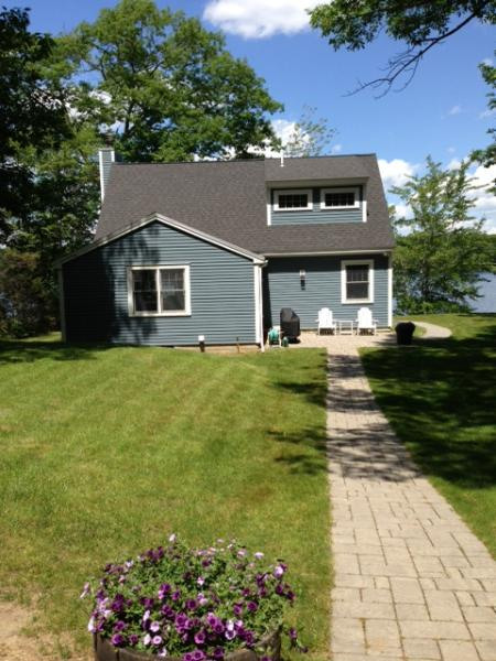 View of the house from the driveway - Beautiful Waterfront Cottage on Kennebunk Pond - Lyman - rentals
