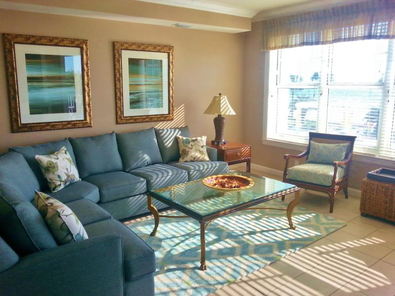 LIght, bright, great views - Beautiful 2nd floor 4br private serenity, BEACH! - Panama City Beach - rentals