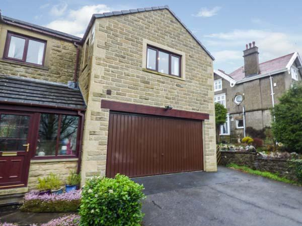 THE BEECHES one mile from Settle, close to railway station, open plan, WiFi, Giggleswick, Ref 932523 - Image 1 - Giggleswick - rentals