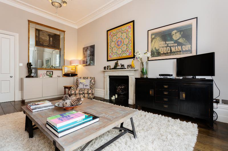 3 bedroom home in Arundel Gardens, Notting Hill - Image 1 - London - rentals