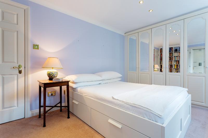2 bed 2 bath City apartment, near St Paul's/ Chancery Lane - Image 1 - London - rentals