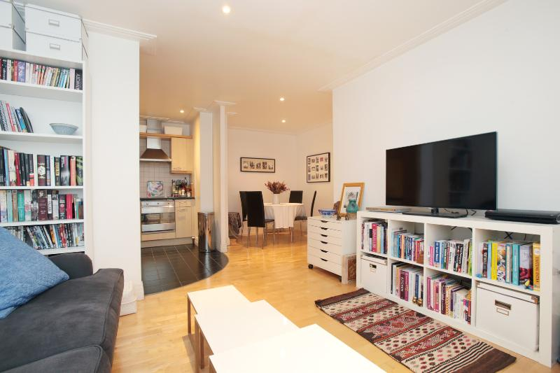 2 bed 2 bath by Emirates stadium, Drayton Park, Islington - Image 1 - London - rentals