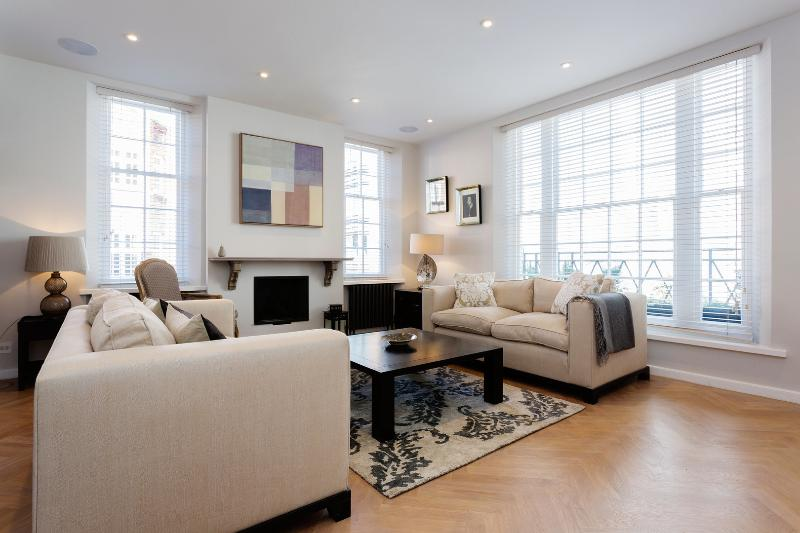 Townhouse 5 minutes from Oxford Street, 3 bedrooms - Image 1 - London - rentals