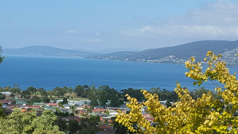Views, glorious views. - Charbella's on Norma - Spectacular Views of Hobart - Hobart - rentals