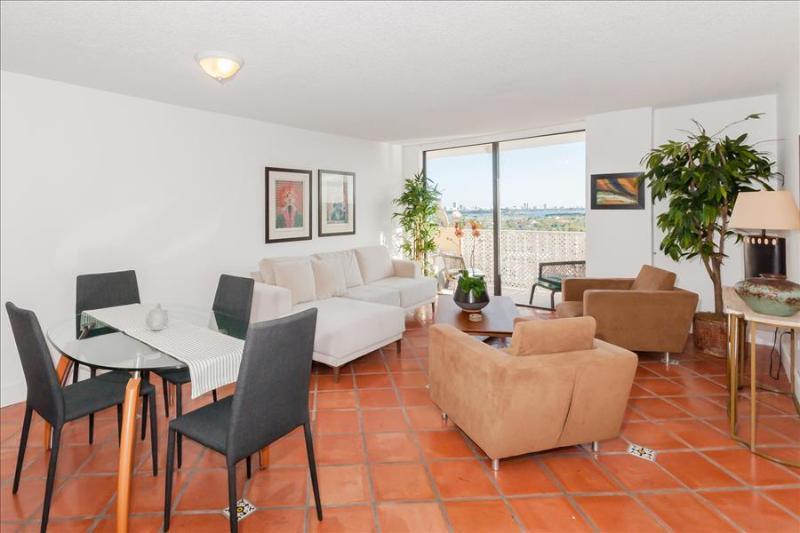 NM 2350 #1204 - Image 1 - North Miami - rentals