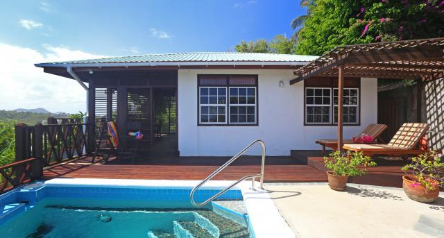 Romantic and cosy one bedroom cottage located in the exclusive Cap Estate - Image 1 - Cap Estate - rentals