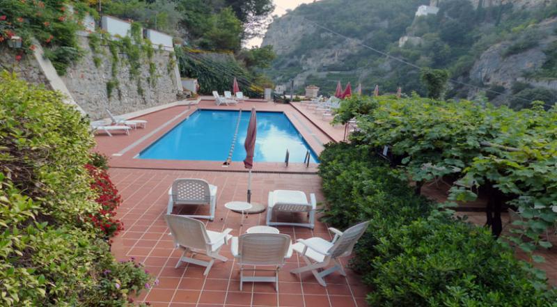 01 Margherita shared pool area - MARGHERITA Ravello/Atrani - Amalfi Coast - Atrani - rentals