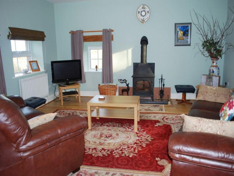 CALF CLOSE COTTAGE, Farlam - Image 1 - Talkin - rentals