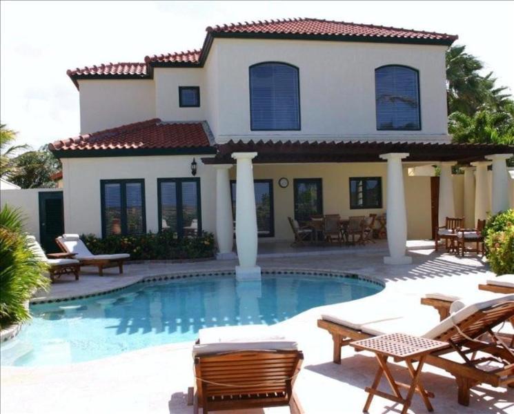 Luxury four bedroom, five bathroom villa with stunning ocean view - Image 1 - Noord - rentals
