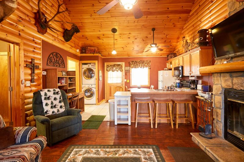 Rustic Log Cabin,Secluded,2 Jacuzzi,WiFi 1mile SDC - Image 1 - Branson - rentals