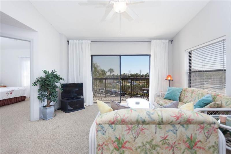 Ocean Village Club F31, 2 Bedrooms, 3rd Floor, Pet Friendly, Sleeps 6 - Image 1 - Saint Augustine - rentals