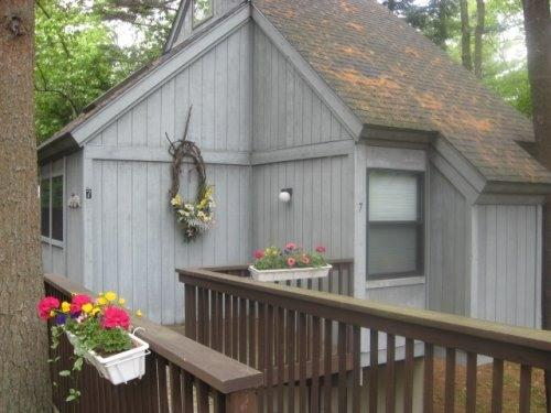 Front of Cottage - Treehouse Cottage Hideaway/Private Hot Tub - Raymond - rentals