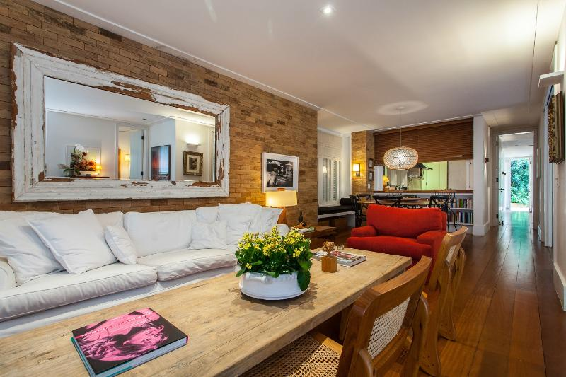 Warm & Homey 3 Bedroom Home in Gavea - Image 1 - Rio de Janeiro - rentals