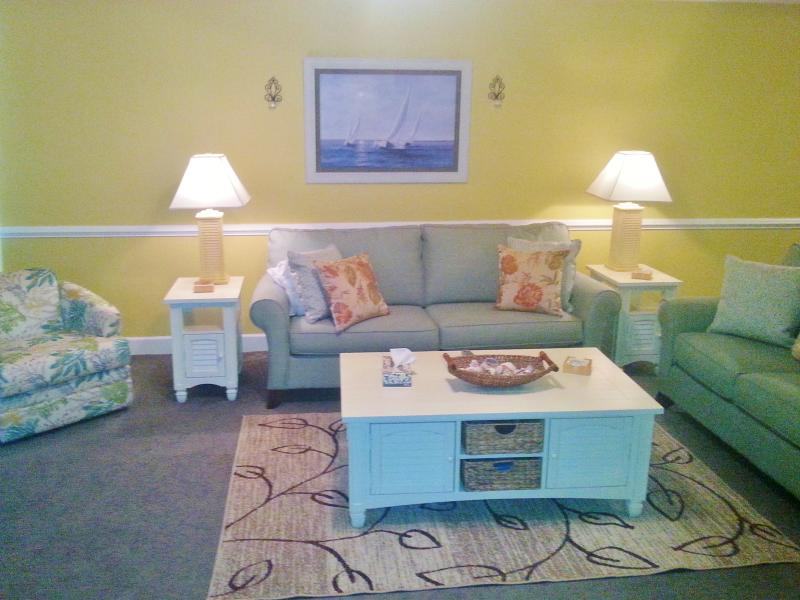 Free Bch Svc  Beautiful 3 br, spacious, Great view - Image 1 - Panama City Beach - rentals