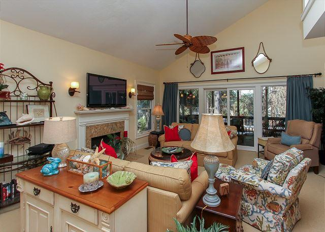 Living Area - 18 Beachside - Just steps to the beach and The Salty Dog - Hilton Head - rentals