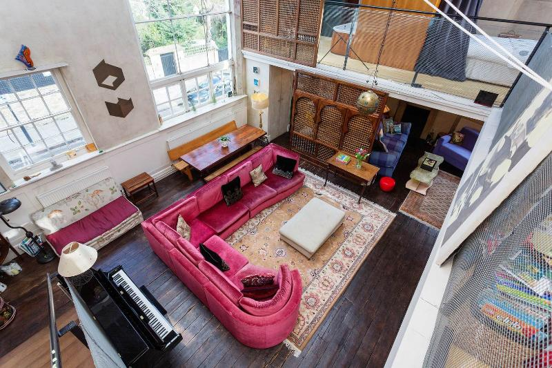 A wonderfully unusual four-bed home in St John's Wood. - Image 1 - London - rentals