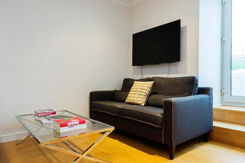 Two bedroom with roof terrace, Pembridge Villas, Notting Hill - Image 1 - London - rentals