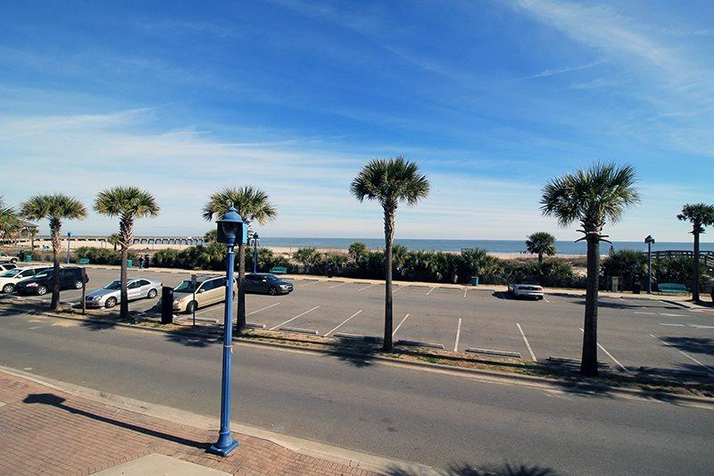 South Beach Ocean Condos - East - Unit 3 - Panoramic Oceanfront Views of Tybee Beach - FREE Wi-Fi - Image 1 - Tybee Island - rentals