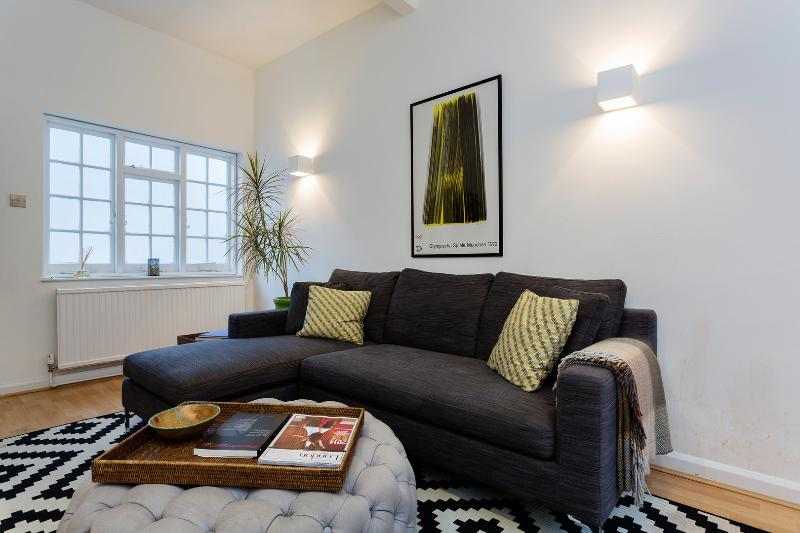 Delightful 3 bed Mews house, Pembridge Mews, Notting Hill - Image 1 - London - rentals