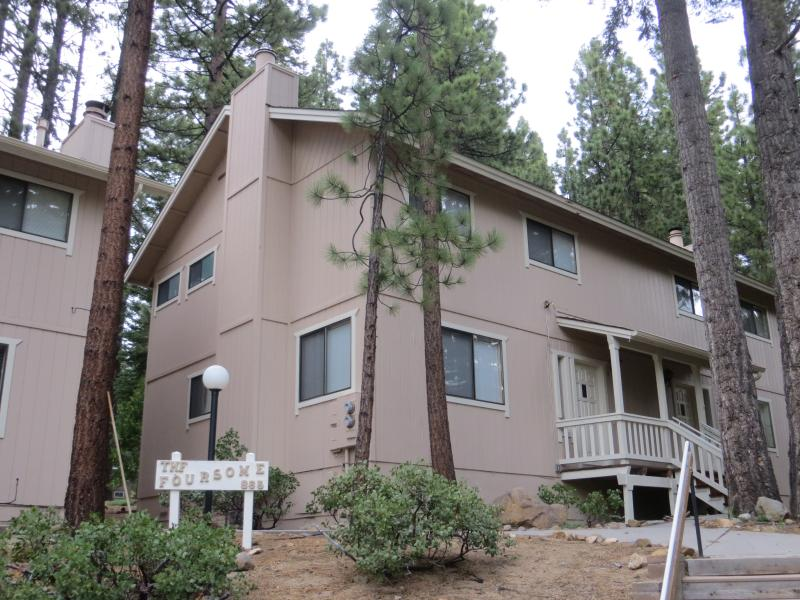 Mountain Woods Retreat - a 2-story townhome on a peaceful wooded cul-de-sac - Peaceful Wooded Cul-De-Sac in Incline Village - Incline Village - rentals