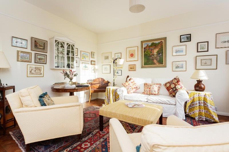A beautiful one-bedroom apartment nearby Earl's Court. - Image 1 - London - rentals