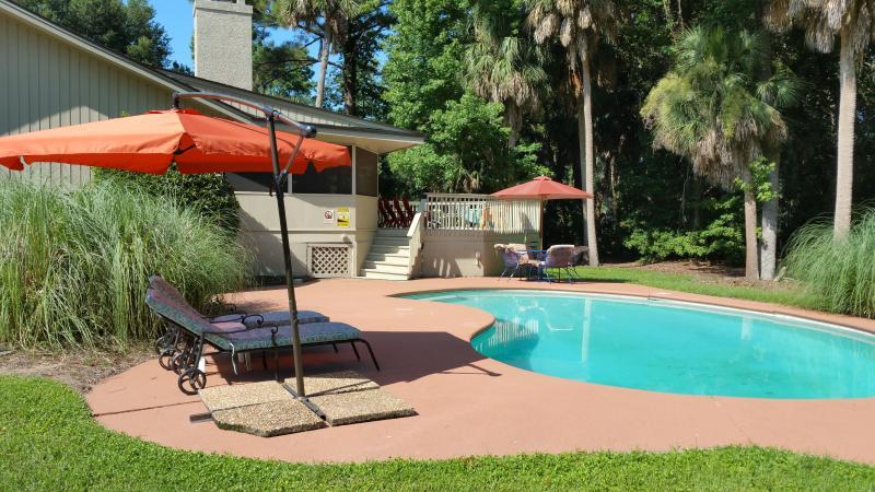 Pool lounge area - 3 Quincy, Private Pool, Sleeps 6 - Hilton Head - rentals