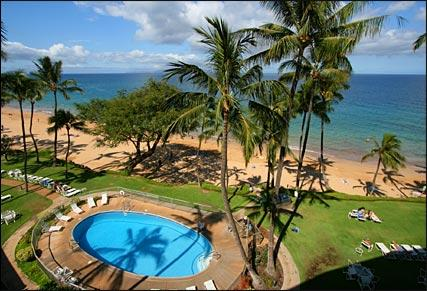 Beachfront, Beachfront Spectacular Forever Views. You never leave the beach when you stay with us. - 606 Hale Pau Hana Beachfront - Kihei - rentals