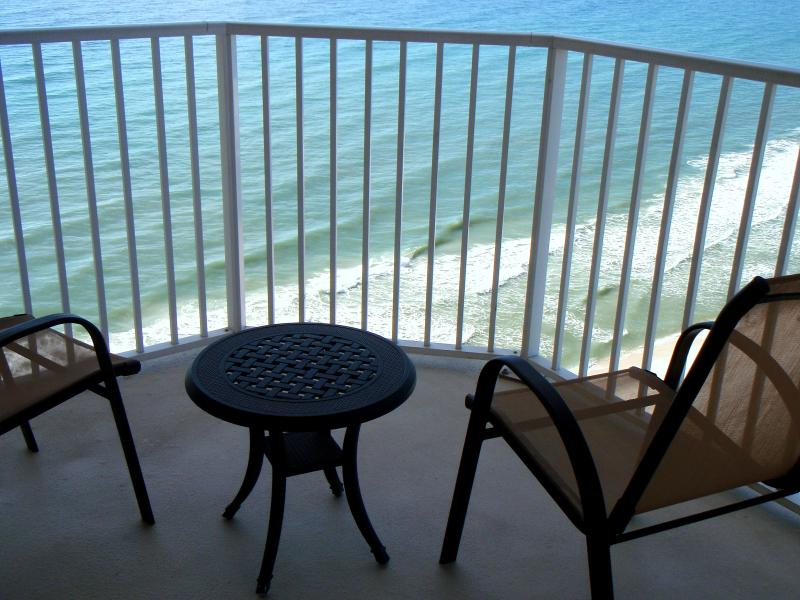 2 BR/2 BA OCEANFRONT W/ PANORAMIC VIEWS* FREE BEACH CHAIR SERVICE MAR 1 - OCT 31. - **2BR/2BA OCEANFRONT W/ FREE BEACH CHAIR SERVICE** - Panama City Beach - rentals