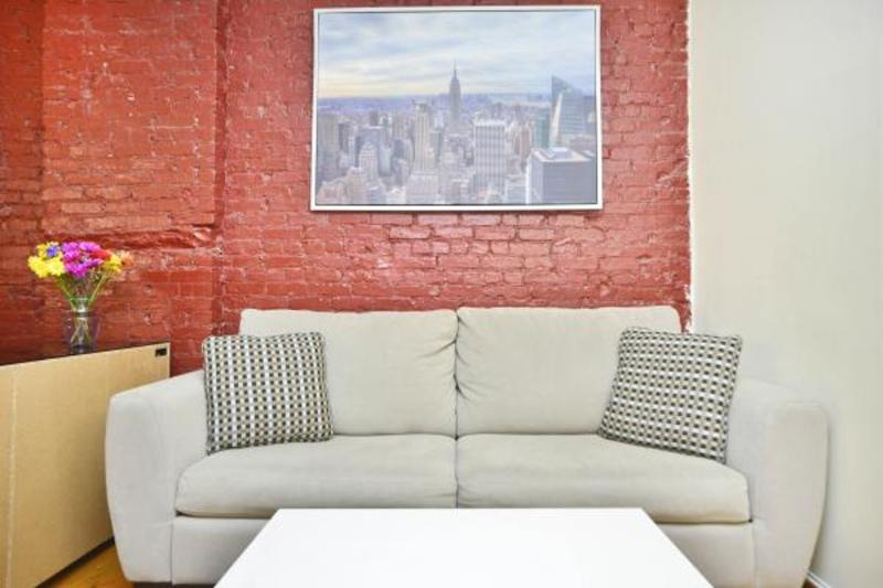 COMFORTABLE AND BEAUTIFULLY FURNISHED STUDIO APARTMENT - Image 1 - New York City - rentals