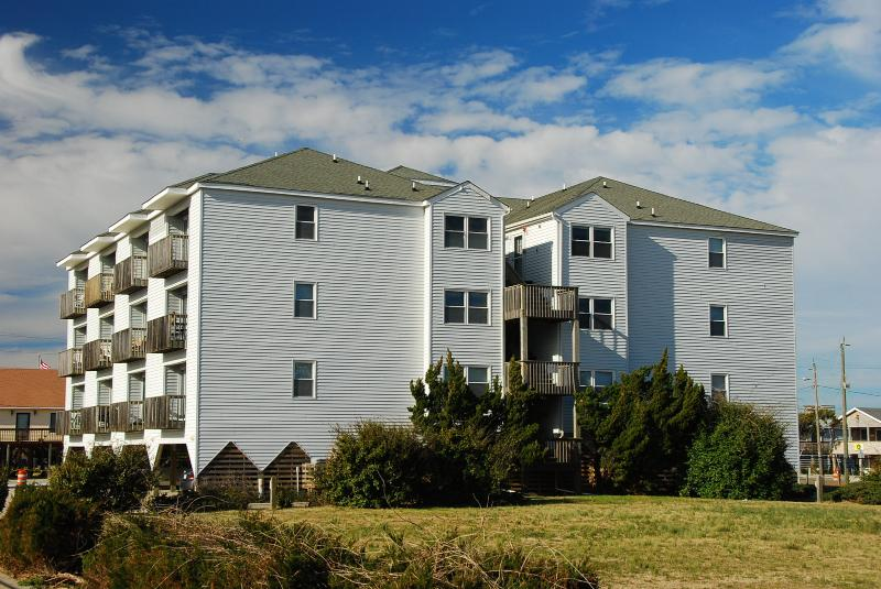 Station One 2-A, Decked Out 2 Bedroom Condo - Image 1 - Kill Devil Hills - rentals