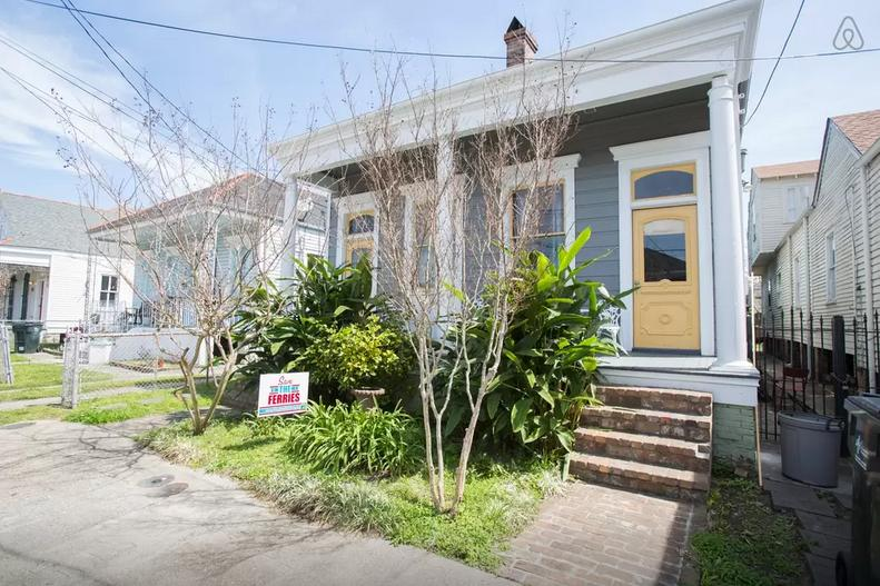 Beautiful Home-10mins from FQ Ferry - Image 1 - New Orleans - rentals