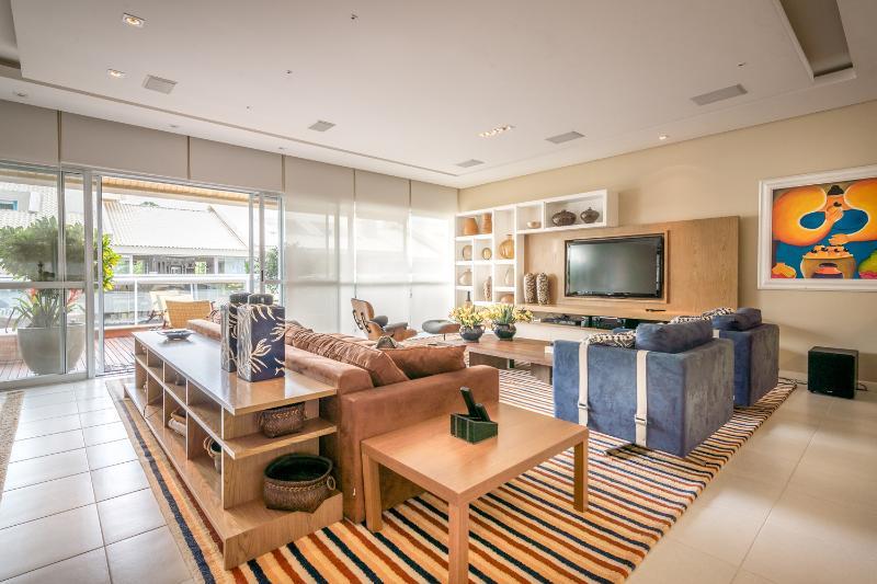 Ultra Modern 4 Bedroom Duplex Near Florianópolis - Image 1 - Cachoeira do Bom Jesus - rentals