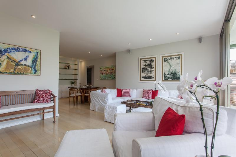 Spacious 3 Bedroom Apartment Located in Ipanema - Image 1 - Rio de Janeiro - rentals